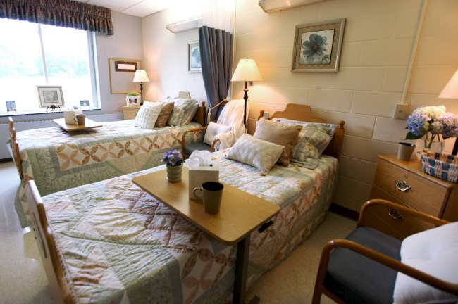 The Laurels of Galesburg: Semi-Private Guest Room